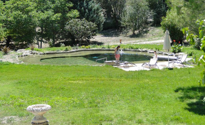 Jeux d 39 eau jardin paysagistes paysagiste architecte - Plantes bassin de lagunage aixen provence ...